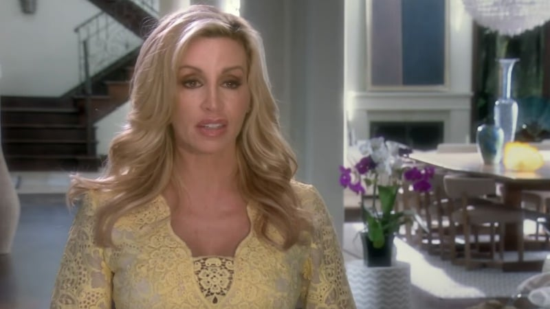 Reality Star Camille Grammer Fights Against Cancer!! Also, Her Mom is Also A Cancer Survivor