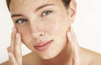Apply salt on face and get rid of all the pimples. Learn how to apply it.