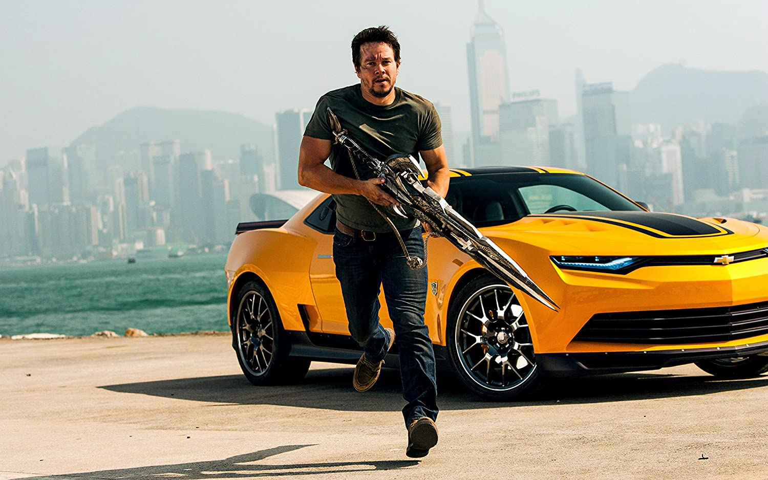 Mark Wahlberg in the movie Transformers: Age of Extinction.