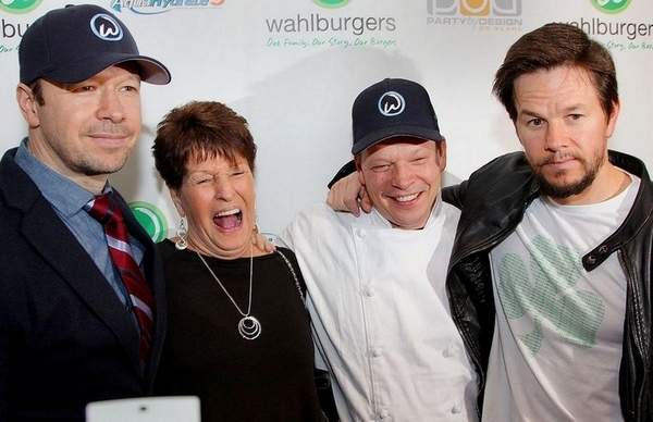 Mark and Donnie Wahlberg with their siblings.