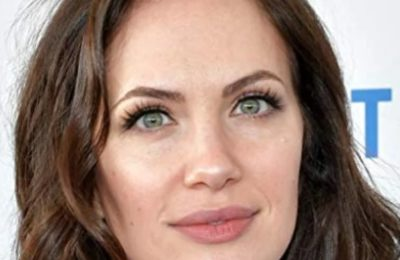 Kate Siegel Bio, Age, Height, Husband, Net Worth